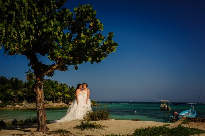 elsa&nicole-same-sex-wedding-akumal-by-luzmaria-avila-22